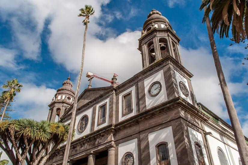 The neo-Gothic Cathedral de San Cristóbal de La Laguna dates back to 1511