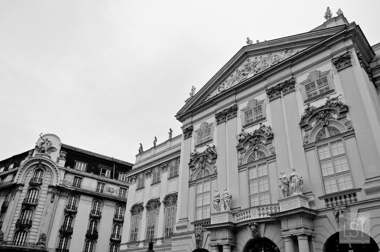 Statues abound on Vienna's buildings