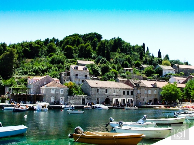 Enjoy the islands of Croatia with specialist travel companies like Completely Croatia