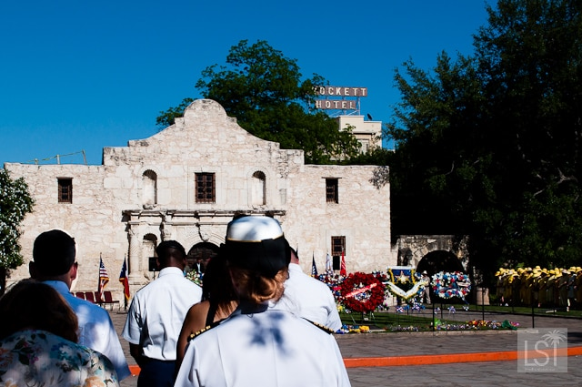 Pilgramage to the Alamo a service after the wreath bearing procession