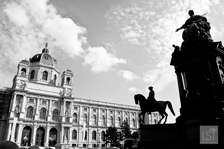 The hofburg palace is huge enough to fill a panoramic shot 2