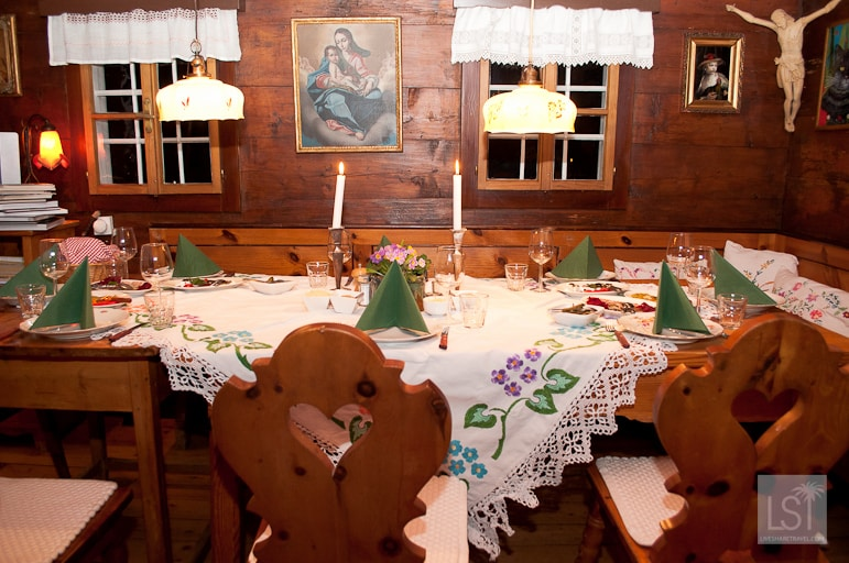 Dining with Erika at her Heurigen, Erika's Buschenschank