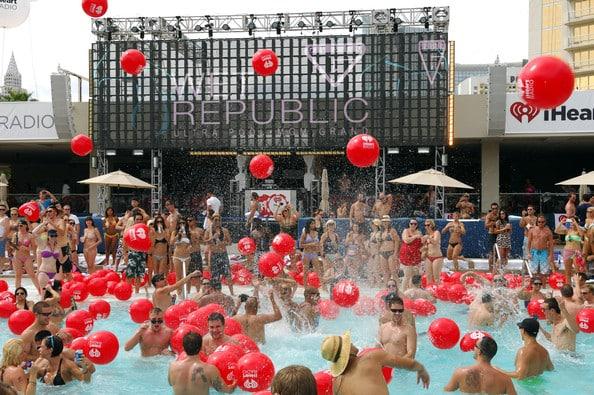 las vegas pool party season