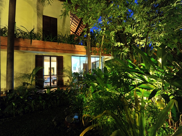 Evening time in the garden at Amatao Tropical Residence