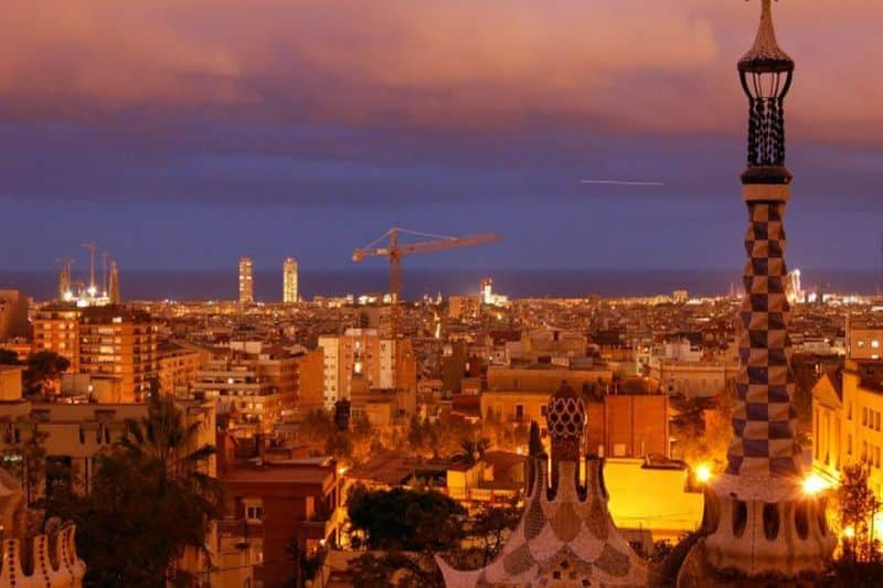 10 best Barcelona attractions - Barcelona by night