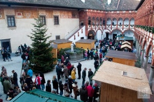 Christmas in Vienna, and nearby can mean markets in city centres, and like this one at Schloss Schallaburg, surrounded by the walls of a palace
