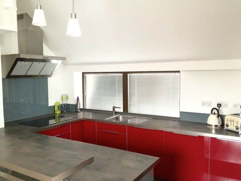 Modern kitchen of HouseTrip holiday rentals apartment, London