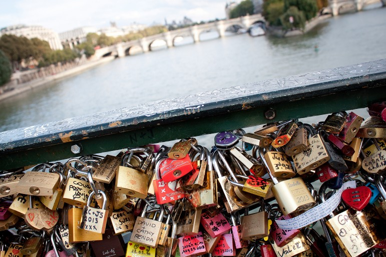 Pont des Arts, one of the most romantic places to go in Paris