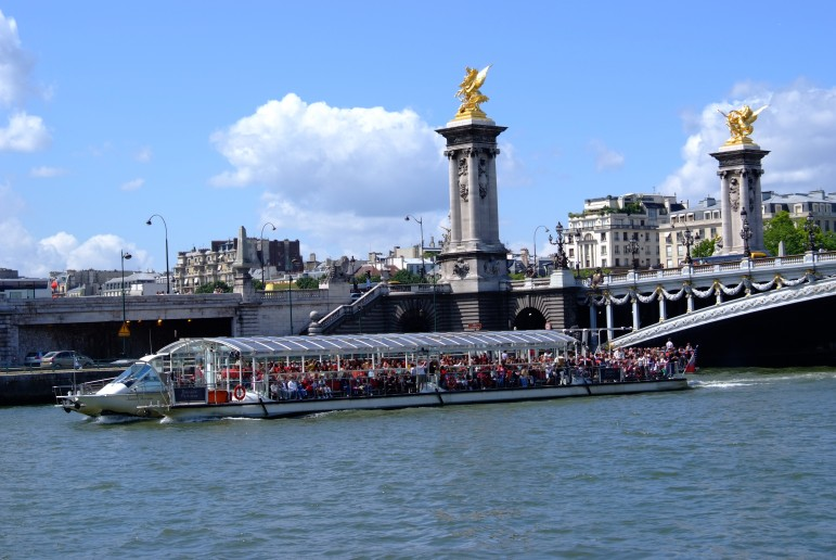 Enjoy some of the most popular places to go in Paris and many great sights on a Bateaux Parisiens cruise | Pic: P Faure