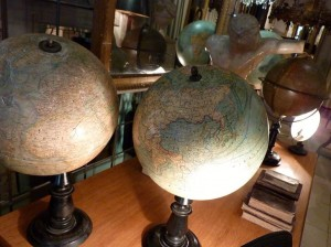 Things to do in Madrid - go antique shopping in Barrio de Letras