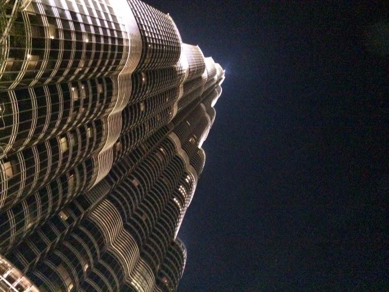One of the best places to dine the Armani Hashi restaurant Dubai, beneath the Burj Khalifa