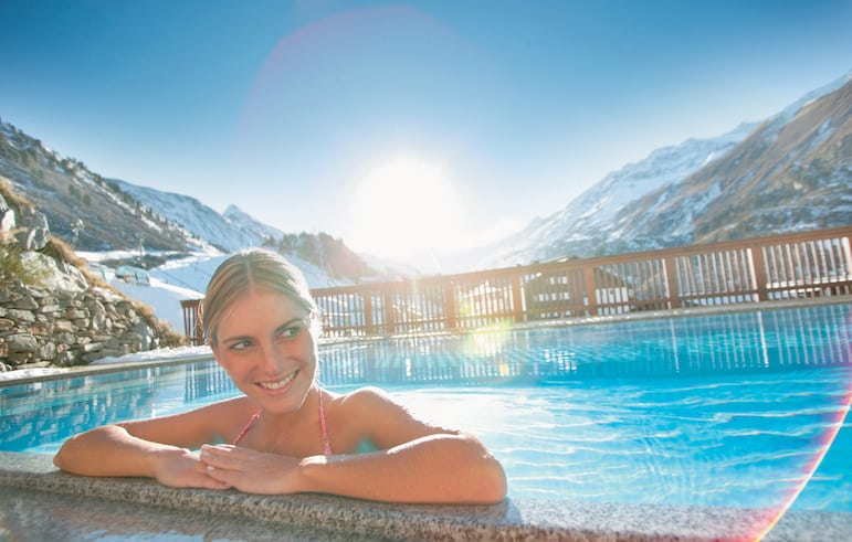 Indoor-outdoor pool at Hotel Edelweiss & Gurgl | pic: Hotel Edelweiss & Gurgl