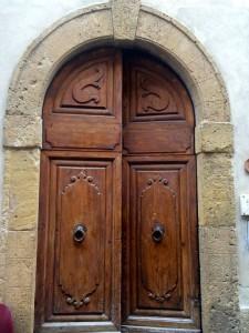 Door in the town of San Gimiginano