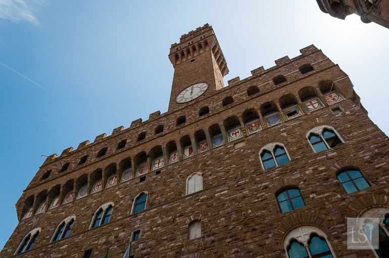 Piazza Vecchio in Florence is a great place to go to view the city's cultural life