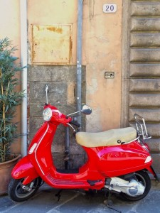 Scooter in Lucca