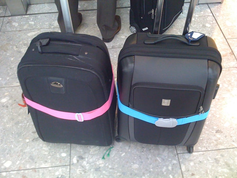Packing tips - add a bright luggage strap