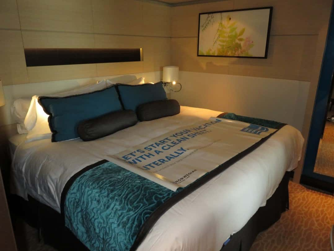 Make the most of your stateroom space by adding space-saving essentials to your cruise packing list I Pic: Curtis & Renee