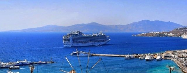 How to pack: seven tips for your cruise packing list | Pic: Raging Wire