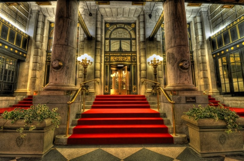 Where to stay in New York - The Plaza Hotel I Pic Dan DeChiaro