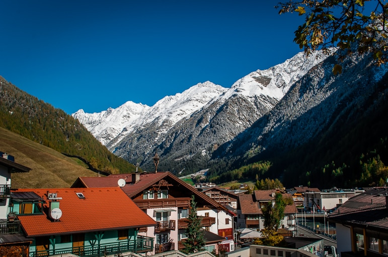 The snow-capped mountains surrounding Sölden