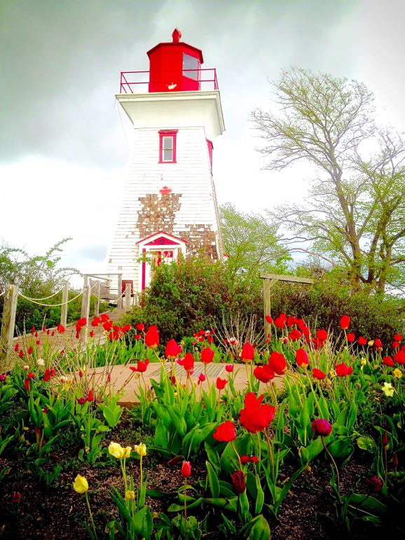 Travel to Prince Edward Island - lighthouse in Victoria by the Sea