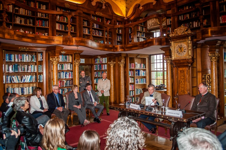 Press conference with the actors and Johannes von Trapp at the Leopoldskon Palace, Salzburg