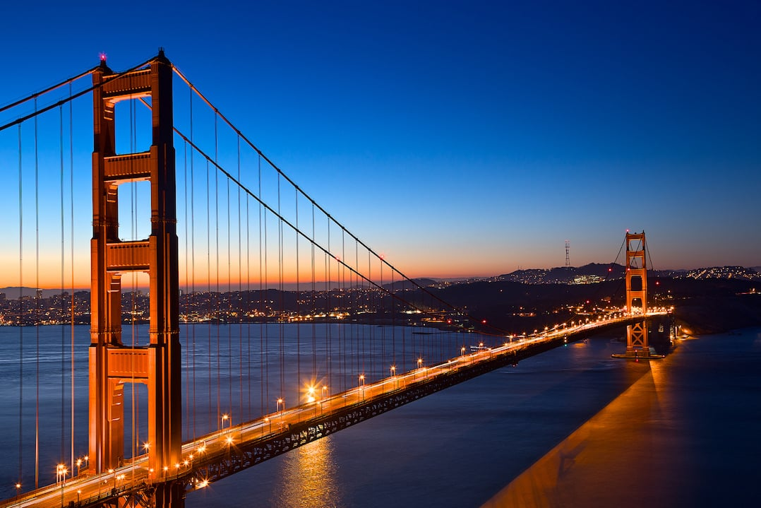 Places to go in San Francisco and where to stay - Golden Gate bridge by Nicholas Raymond