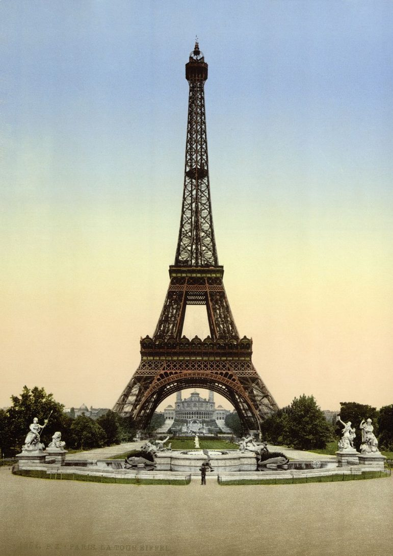 Paris travel tips - the Trocadero Gardens opposite the Eiffel Tower is an ideal spot for a picnic