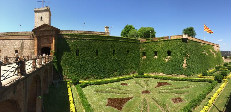 9 barcelona travel tips for affordable luxury travel for Cinema montjuic 2016