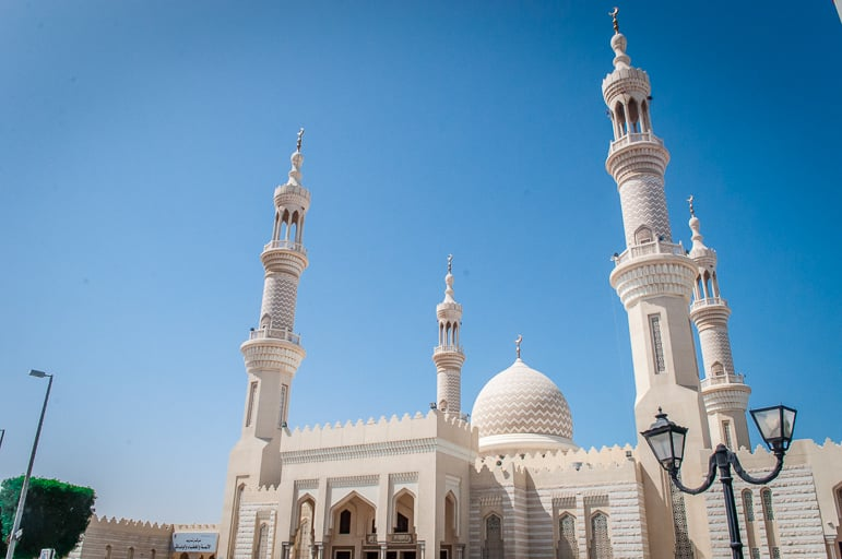 Places to go in Ras Al Khaimah - Sheikh Zayed Mosque