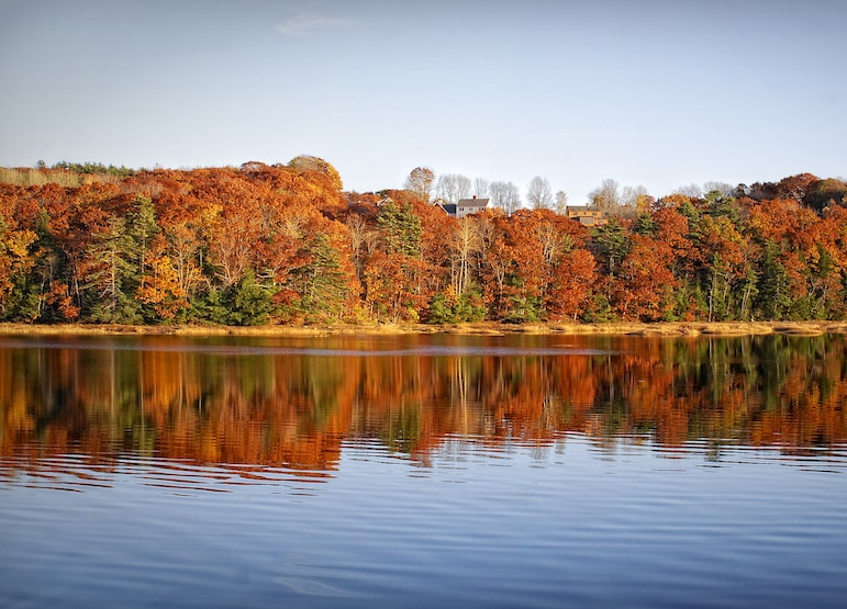 Best fall destinations - find fall foliage in New England | pic: Werner Kunz