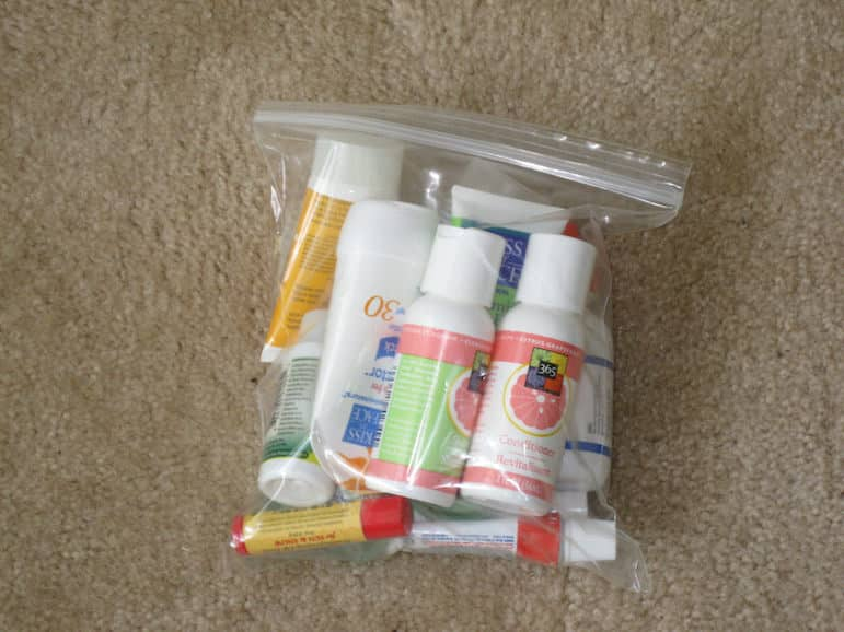 How to pack hand luggage - bag those toileteries