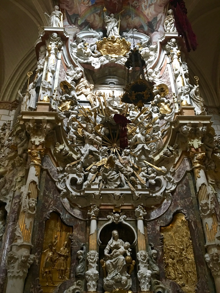 Things to do in Toledo - see the cathedral's El Transparante altar