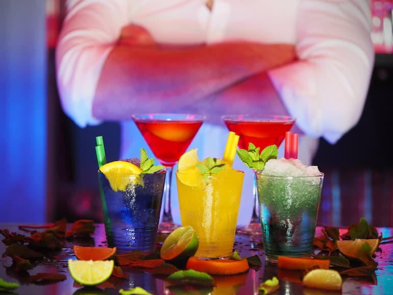 Las Vegas travel tips - have a late night happy hour