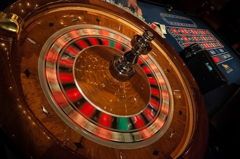 Las Vegas travel tips - hit the tables