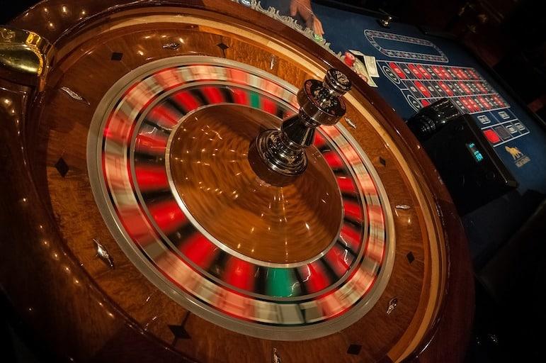 Las Vegas travel tips - hit the tables