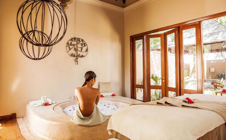 Couples treatment room at the Maradiva