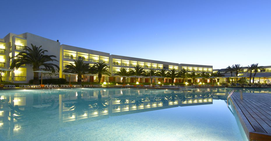All inclusive holidays in Europe - Grand Palladium Palace Ibiza Resort & Spa pool at night