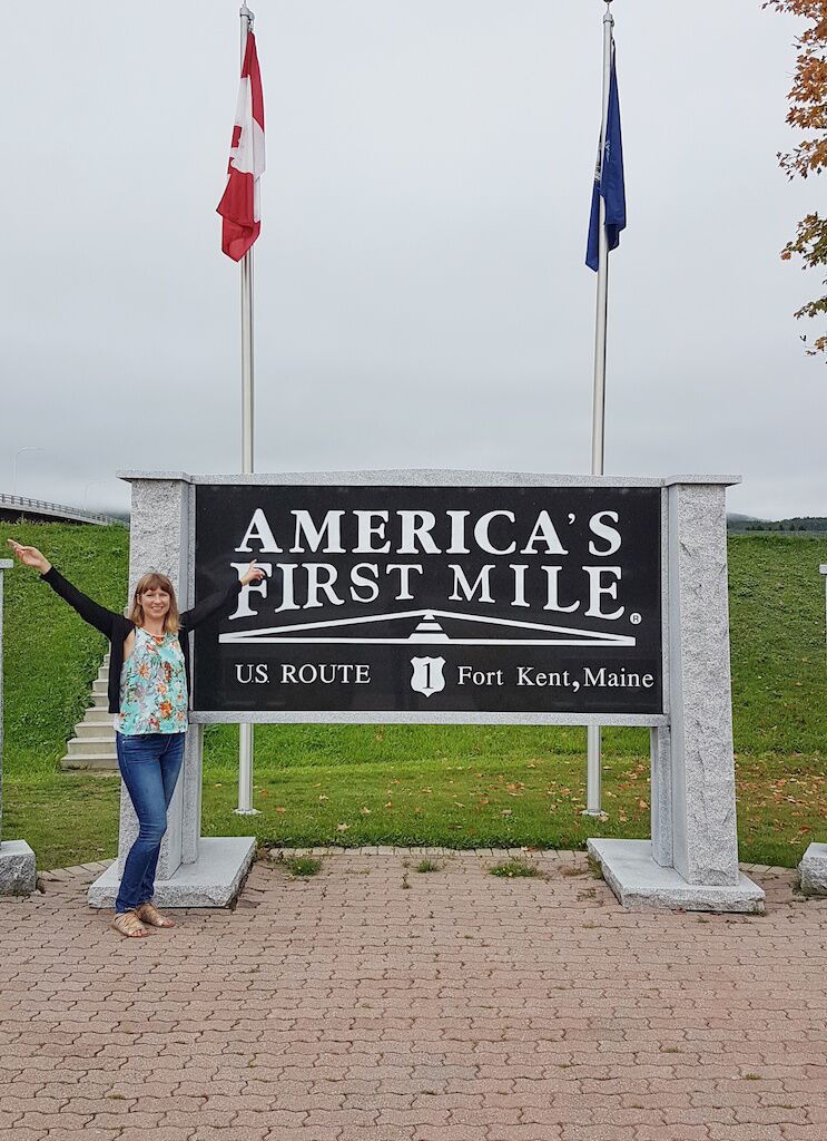 Ella Buchan at the start of US1 kicking off her epic Fort Kent, Maine road trip itinerary