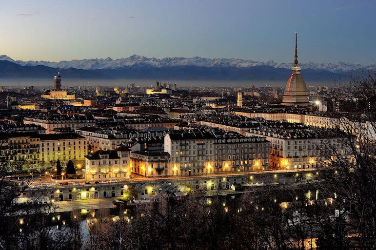 the-twinkling-lights-of-turin-provide-a-magical-backdrop-for-christmas-in-the-city-pic-hpnx9420