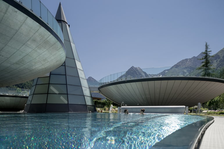 Outdoor bowl-shaped pools, Aqua Dome Hotel