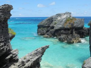 Affordable luxury travel deals - make for the aquamarine waters of Bermuda