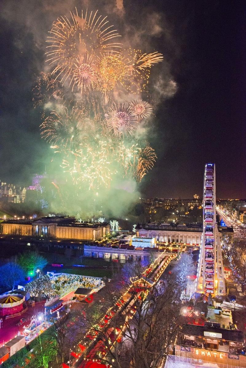 Edinburgh's Hogmanay 2016 - Fireworks from Edinburgh Castle credit Chris Watt