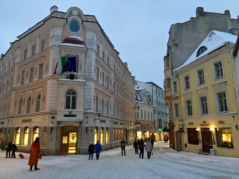 Helsinki to Tallinn - wandering Tallinn's old town
