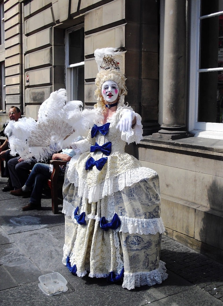 Things to do in Edinburgh - explore the arts at the Edinburgh Festival
