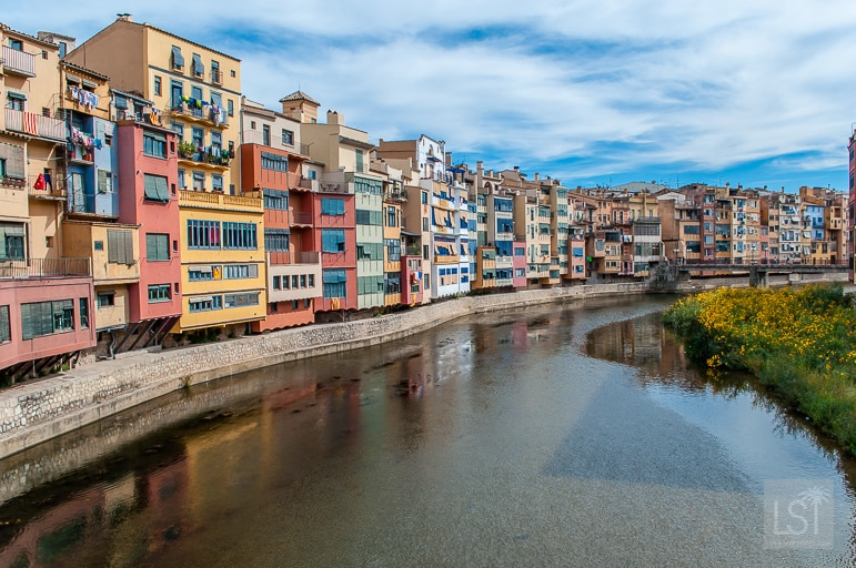 The pastel colours of Girona
