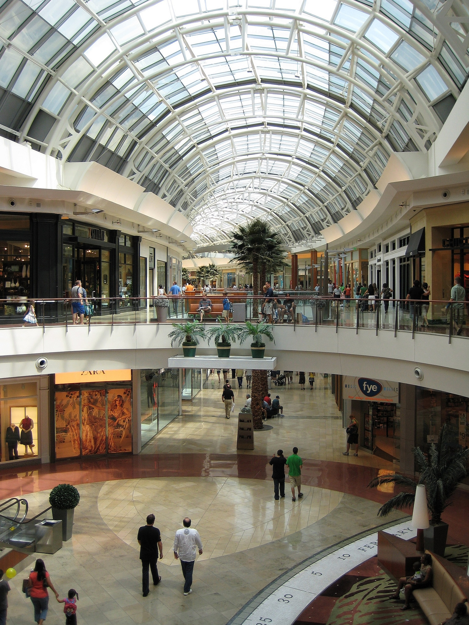 Designer shopping in Orlando at Mall of Millennia