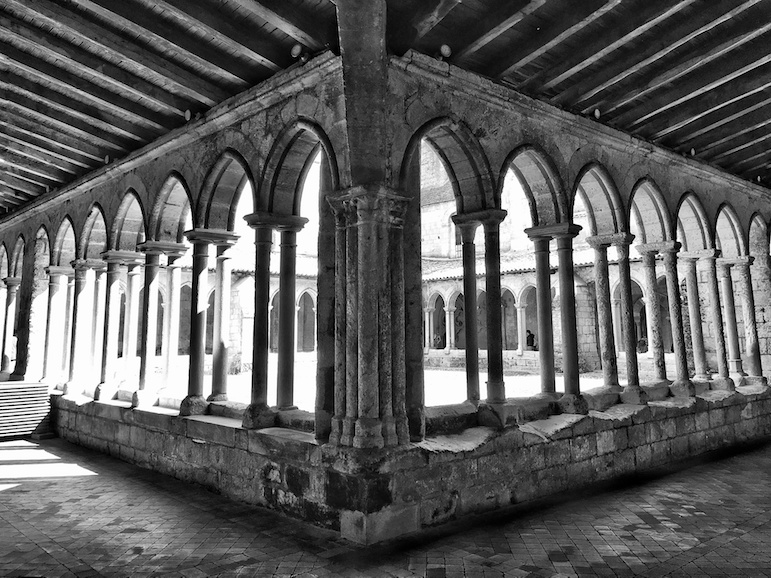 The cloister is the perfect place to sit and reflect, and revel in the peace, just one of the many historic things to do in Saint-Emilion