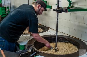 Making peanut oil at Huilerie Beaujolaise