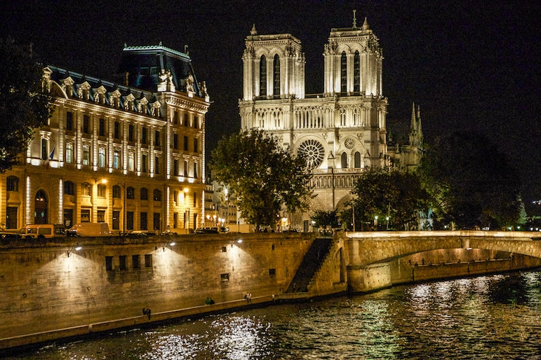 If you are in Paris for New year, be part of all the action with a boat trip along the River Seine | Pic- Ninara